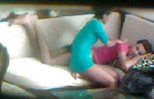 Junger Mann leckt Lutscher, bevor er seinen nackte geile reife frauen Freund Schwanz leckt