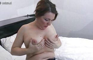 Süße Brünette widmet Ihren reife nackte hausfrauen Arsch ihrem Freund