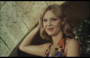 Carmen juega con sexvideos von reifen frauen su coño