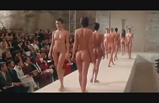 Eine reife nackte frauen videos spezielle Nacktuntersuchung für junges Paar
