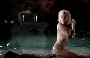 Sexy blonde reife paare partnertausch Hodensack und Schwanz massage