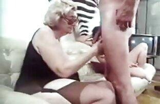 Kraushaarig sexgeile reife frauen jugendlich Mädchen pinkelt